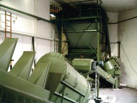 Industrieanlagen Hlebar - Textile bunker with mixer and centrifuge